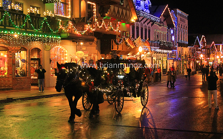 & Horse and Carrige Taxi Christmas Lighting Downtown Leavenworth WA azcodes.com